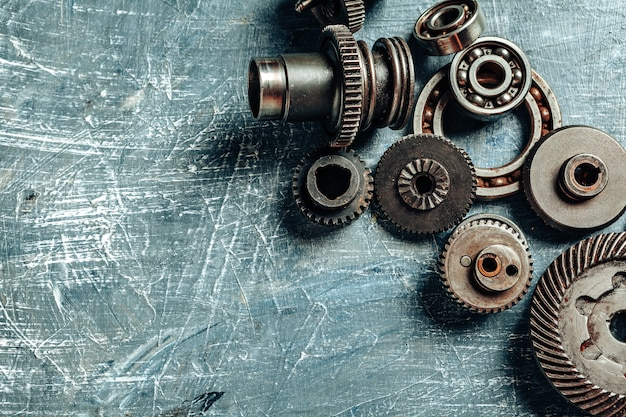 Top view of old rusty car parts Premium Photo