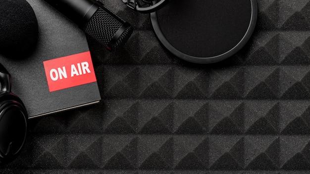 Вид сверху на концепцию эфирного радио Бесплатные Фотографии