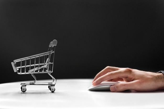Top view online shopping concept Free Photo