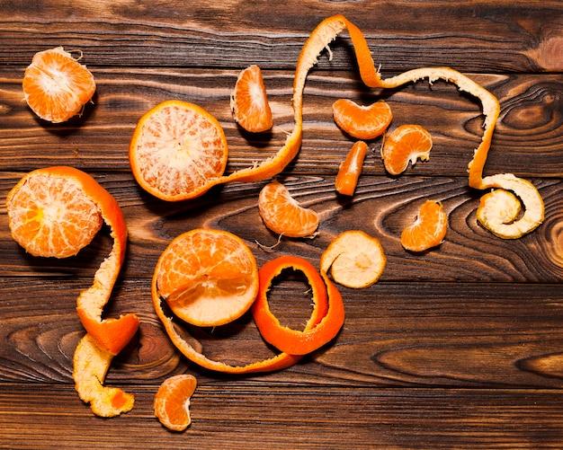 Вид сверху оранжевый на деревянном фоне Бесплатные Фотографии