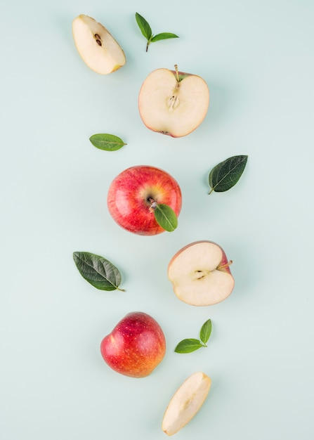 Top view organic apples on the table Premium Photo