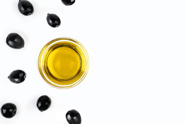 Top view organic olive oil and olives Free Photo