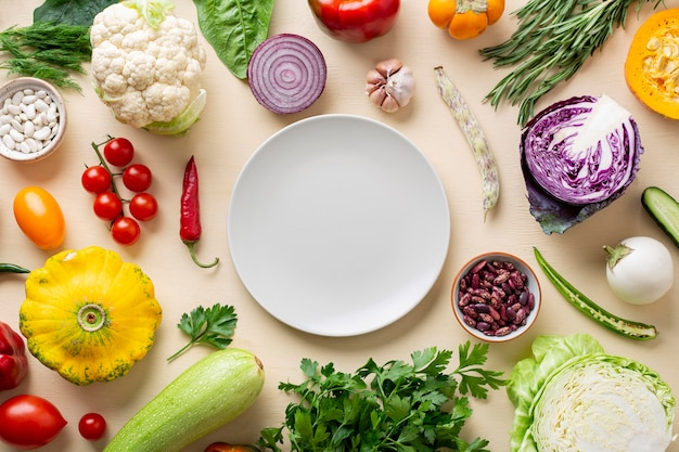 Top view organic vegetables arrangement Free Photo