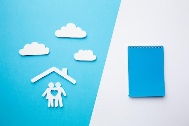 Вид сверху бумажная концепция семьи Бесплатные Фотографии