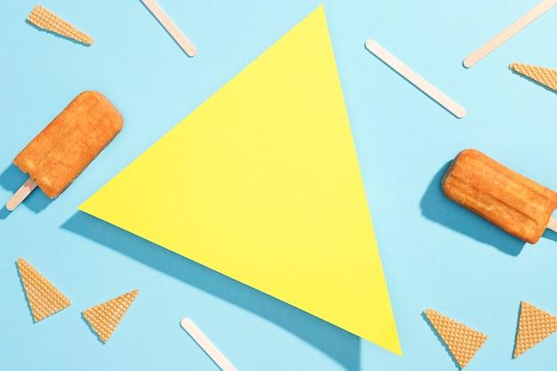 テーブルの上のトップビューアイスキャンディー 無料写真