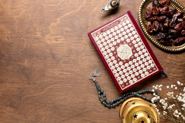 Top view quran with copy space Free Photo