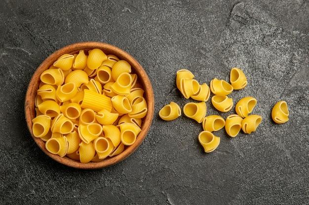 灰色の上面図生イタリアンパスタ 無料写真