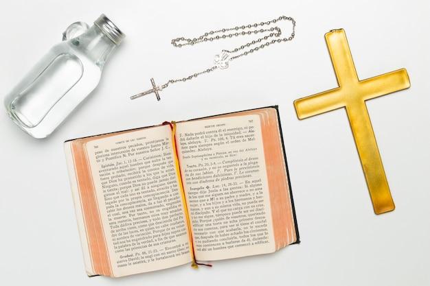 トップビューの宗教と神聖なオブジェクト 無料写真