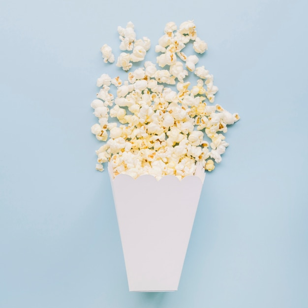 Top view salted popcorn on the table Premium Photo