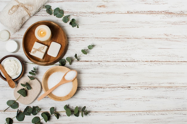 Top view spa products on wooden background Free Photo