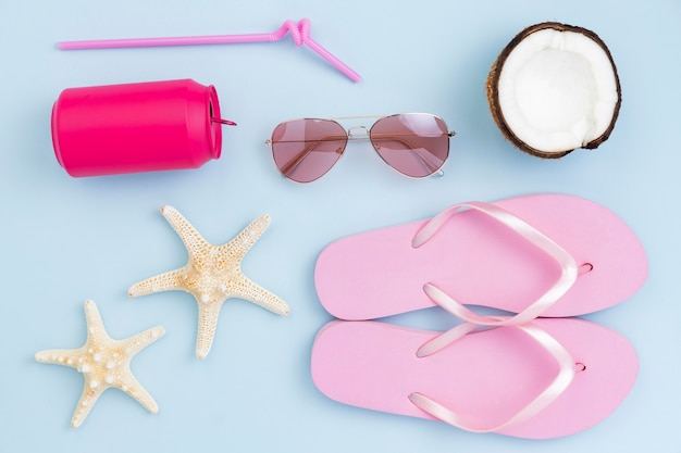 Top view of summer concept with beach accesories Free Photo