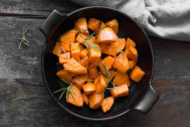 Pasto di patate dolci vista dall'alto Foto Gratuite
