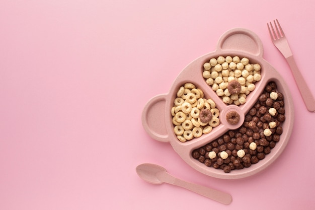 Top view tasty cereal tray Free Photo
