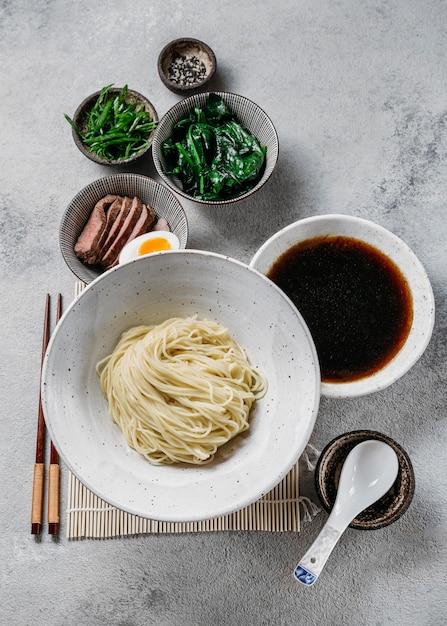 上面図伝統的な日本料理の品揃え Premium写真