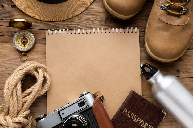 Top view traveling items arrangement Free Photo