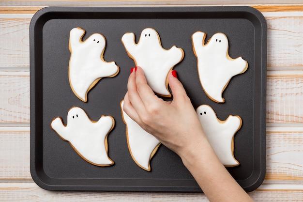Вид сверху поднос с угощениями для хэллоуина Бесплатные Фотографии