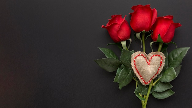 Top view of valentine's day concept with copy space Free Photo