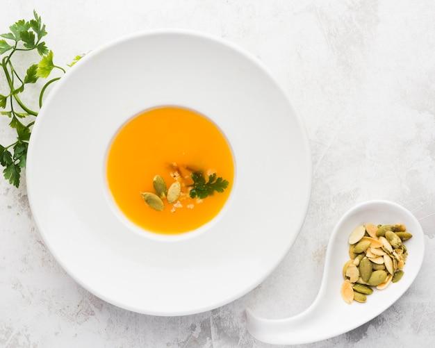 種子の上面ビュー野菜クリームスープ 無料写真