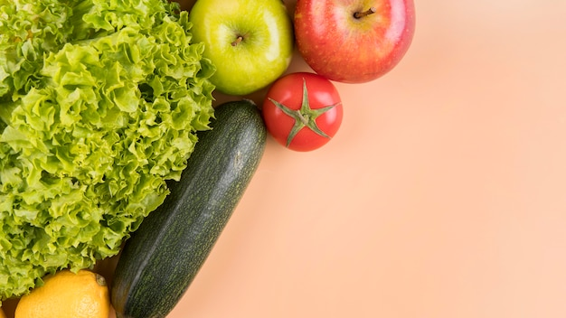 Вид сверху овощи и фрукты с копией пространства Бесплатные Фотографии