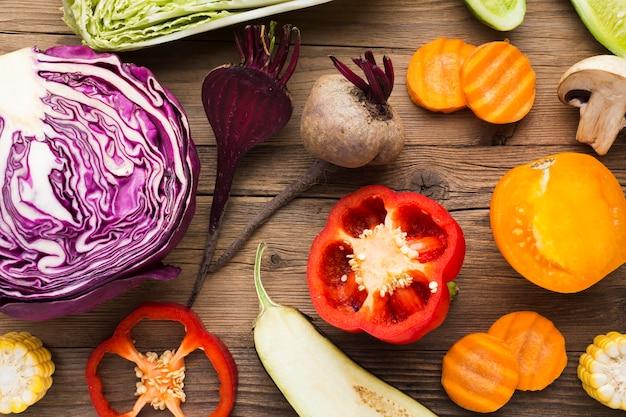 Композиция из овощей на деревянных фоне Бесплатные Фотографии