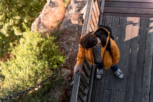 휴가에 상위 뷰 젊은 남자 무료 사진