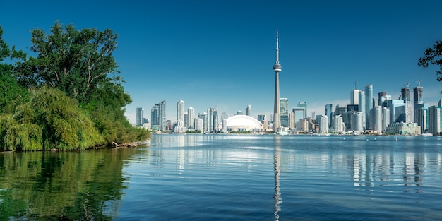 Toronto city skyline, ontario, canada Premium Photo