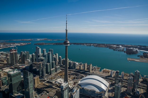 カナダのトロントのスカイラインからの眺め Premium写真