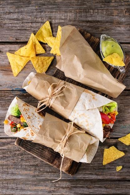 Tortillas and nachos Premium Photo