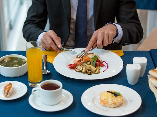Total business lunch on the table Free Photo