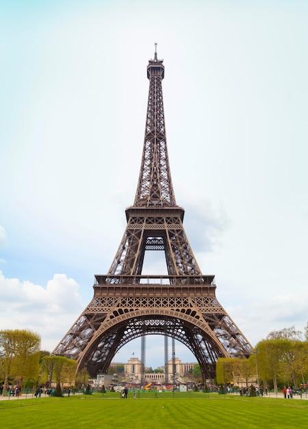 Tour eiffel in paris Premium Photo