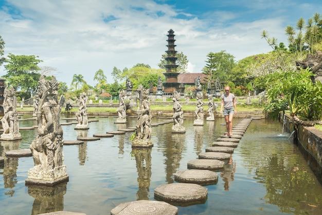 Tourist at tirtagangga water palace Free Photo