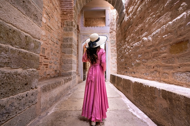 터키의 고대 도시를 방문하는 관광. 무료 사진