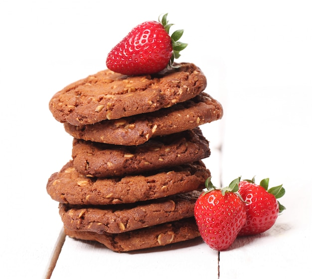 Tower from oatmeal cookies and berries Free Photo