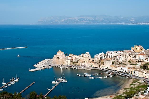 The town of castellammare del golfo Premium Photo