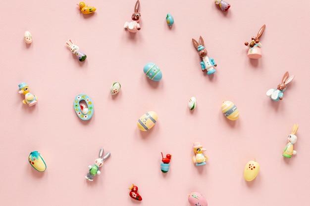 イースターのお祝いのためのおもちゃコレクション 無料写真
