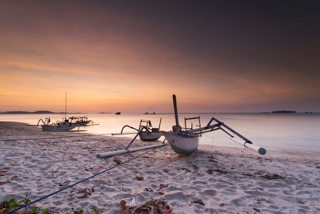 Traditional boat from indonesia Premium Photo