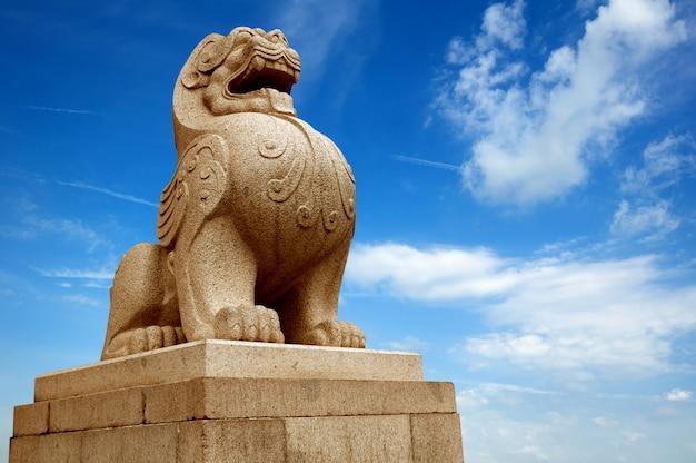 Traditional chinese stone lion Premium Photo