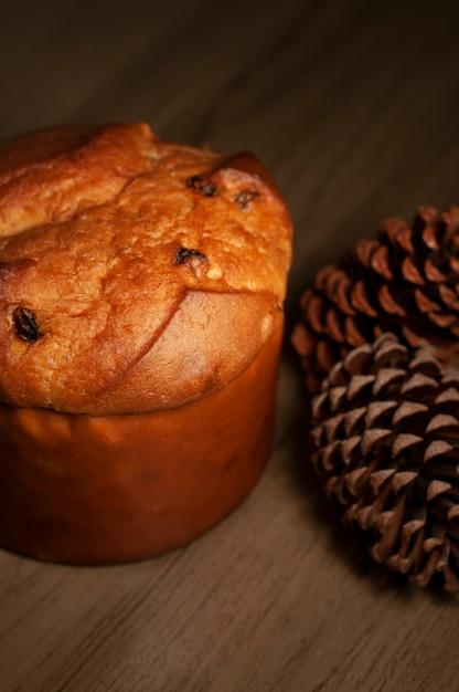 Traditional christmas panettone Premium Photo