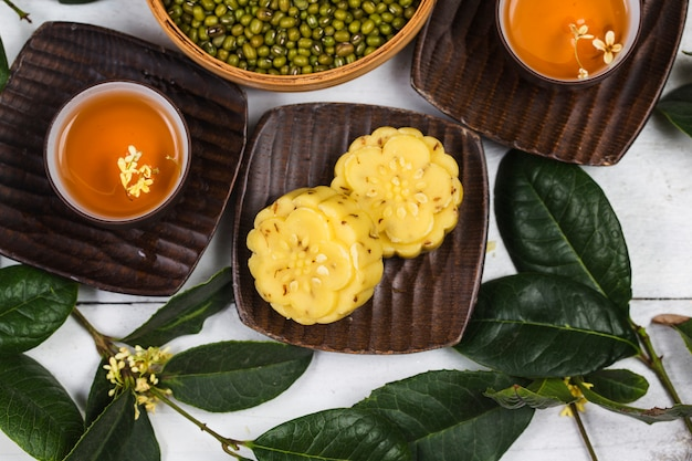 Traditional gourmet osmanthus cake, chinese pastry Premium Photo