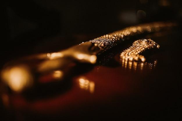 Традиционная индийская сабля жениха для свадебной церемонии Бесплатные Фотографии