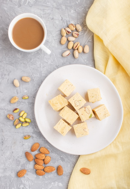 Traditional indian candy soan papdi Premium Photo