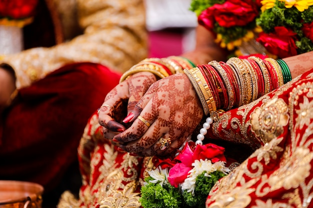 Premium Photo Traditional Indian Wedding Ceremony Bride Hand