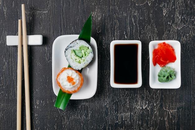 Ассорти традиционных японских суши Бесплатные Фотографии