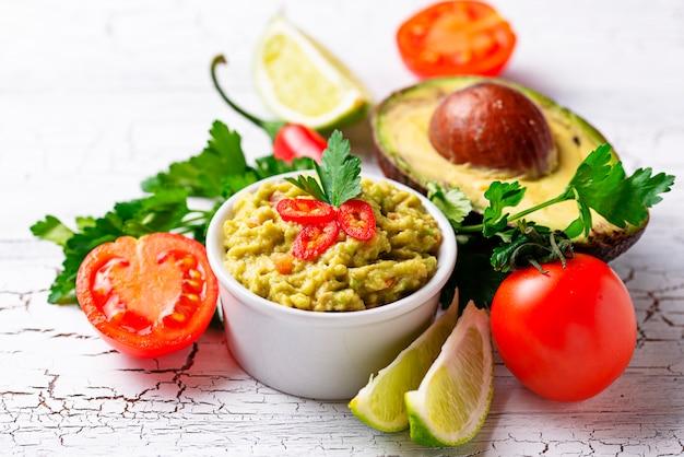 Traditional mexican avocado sauce guacamole Premium Photo