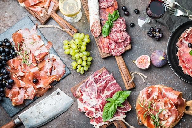 Traditional spanish ham Premium Photo