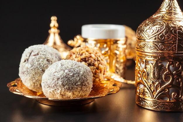 Traditional turkish coffee and turkish delight Premium Photo