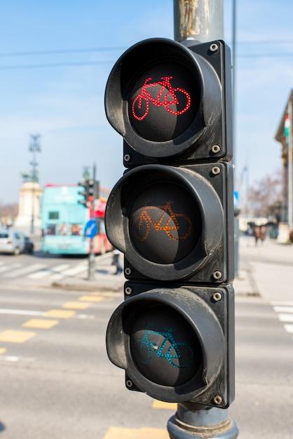 ヨーロッパの自転車用信号機 Premium写真