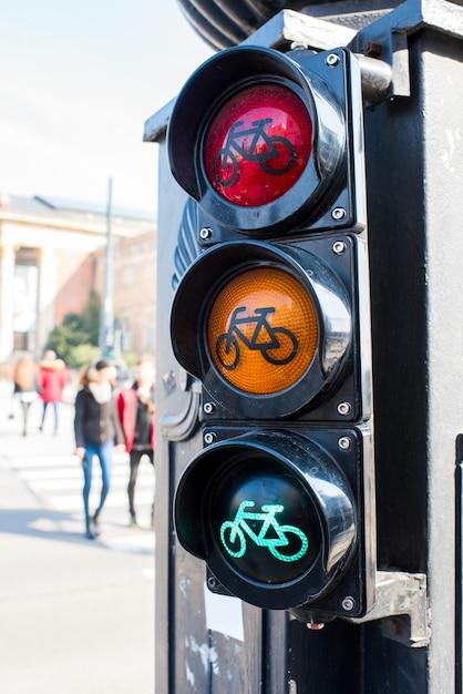 サイクリストのための信号機 Premium写真