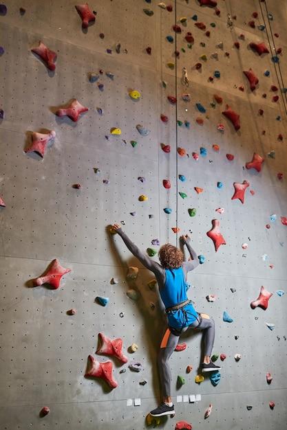 Training on wall Free Photo