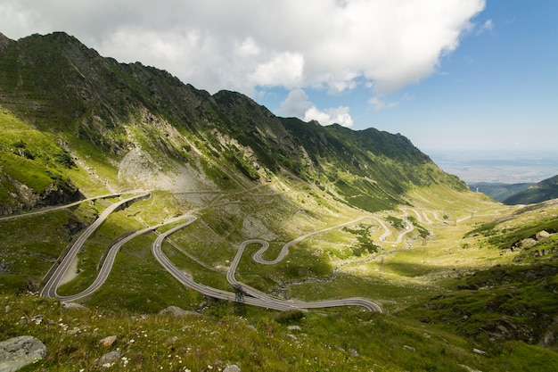 Transfagarasan mountain road, romanian carpathians Premium Photo